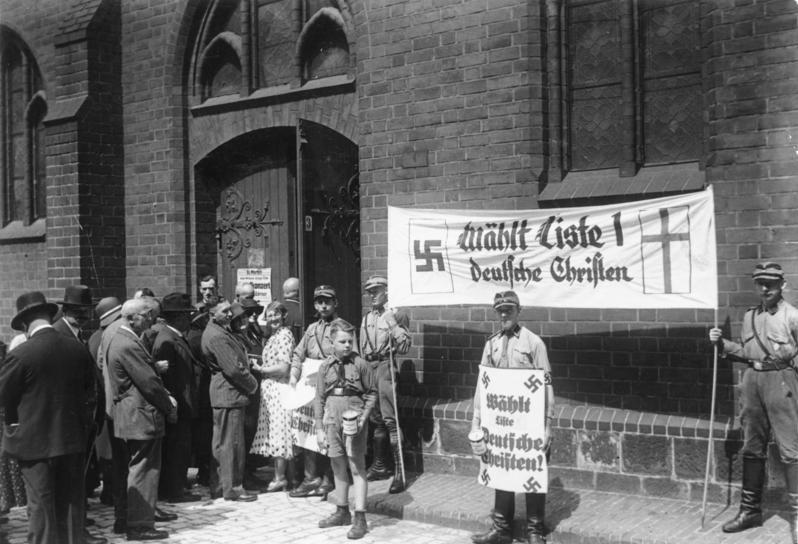 """Kirchenwahl.- Propaganda der """"Deutschen Christen"""" in Berlin"""